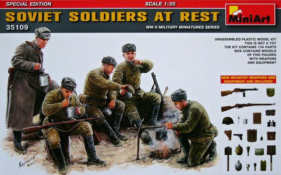 1:35 Soviet Soldiers at Rest w/ Weapons